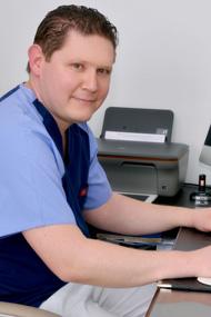 Dr Mohamed Lakhoua -  médecine dentaire et chirurgien dentiste